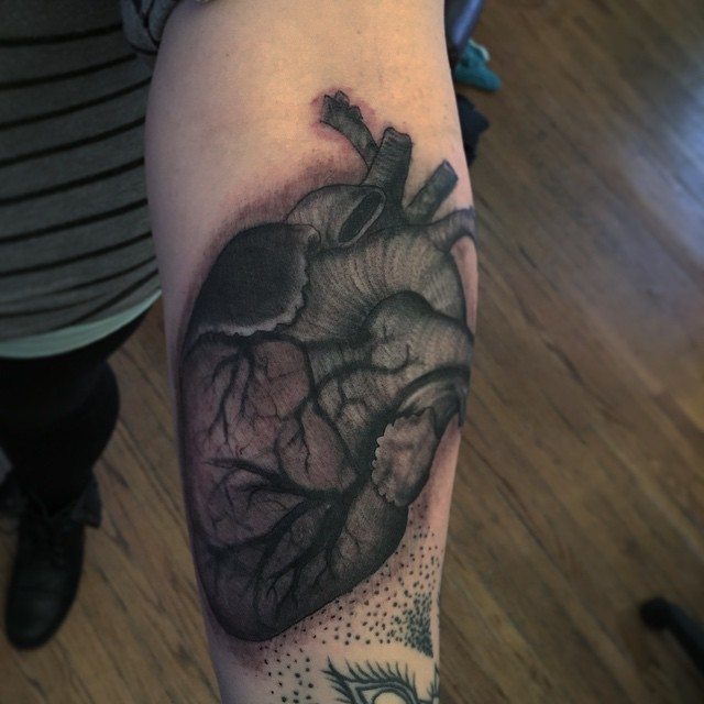 Some-heart-fun-today-@victorytattooink-coffinblack-blackandgreytattoo-tattoo-tattoooftheday-doublede